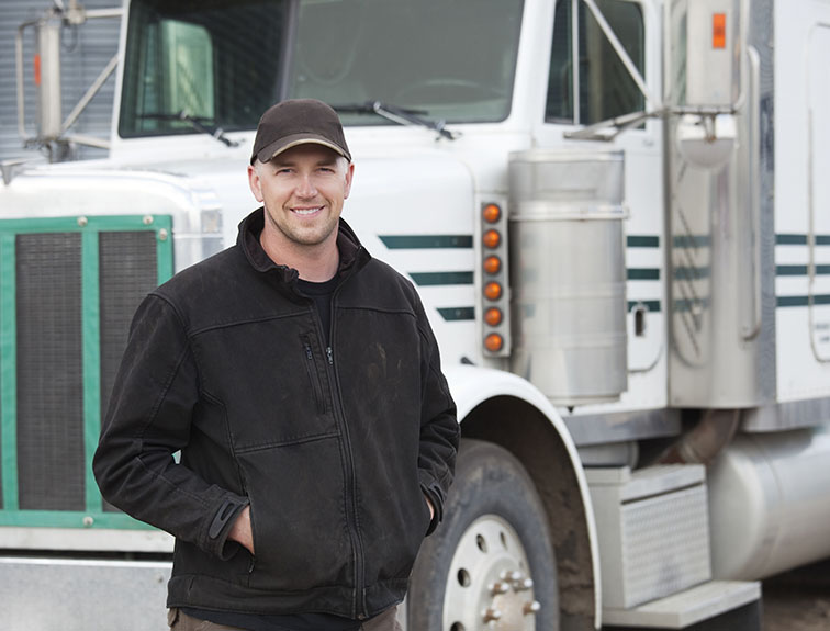 earn your commercial driver's license with the help of united truck driving school